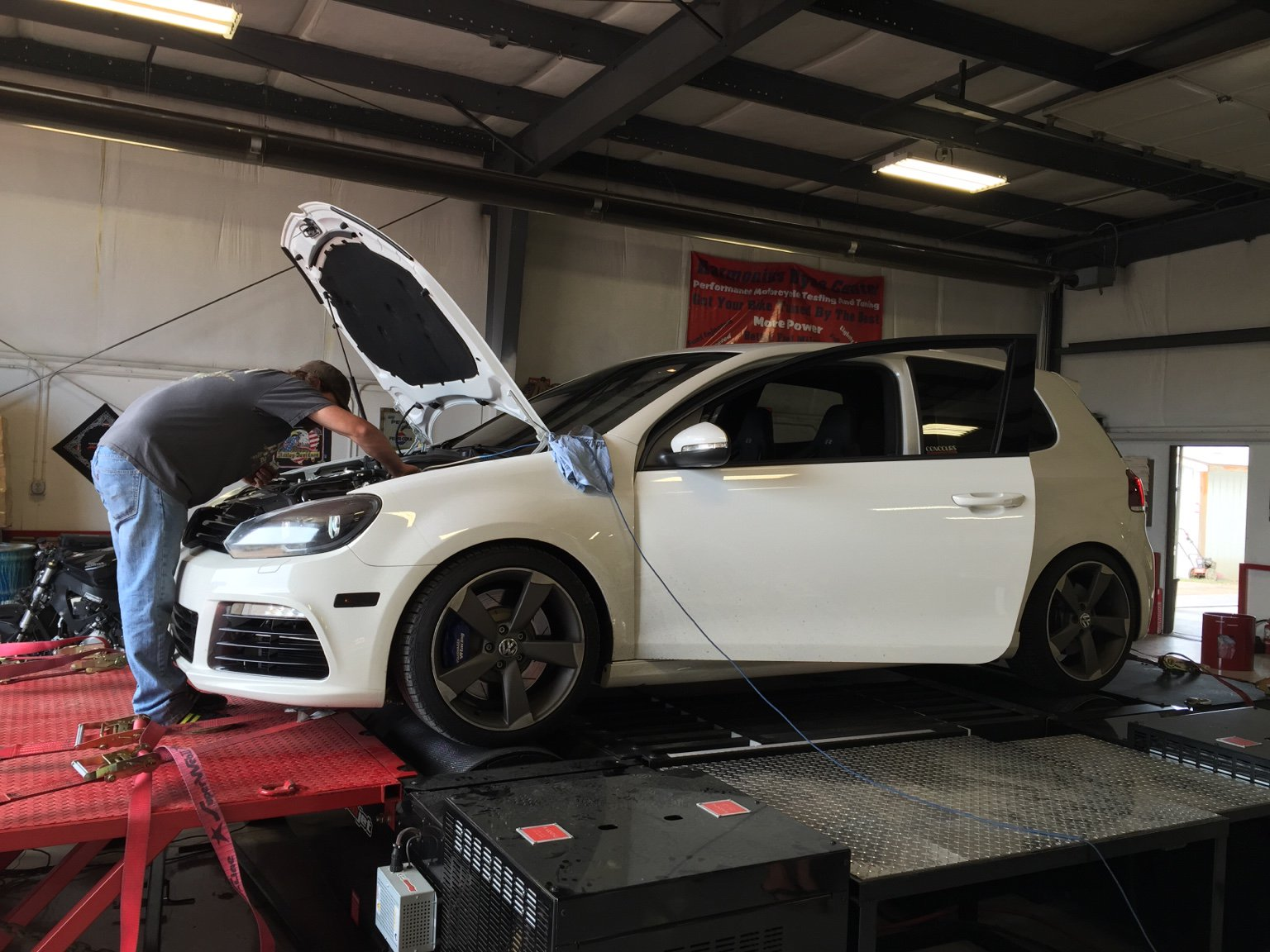 forum friday: flieger's golf r build has come a long way | automoto tale